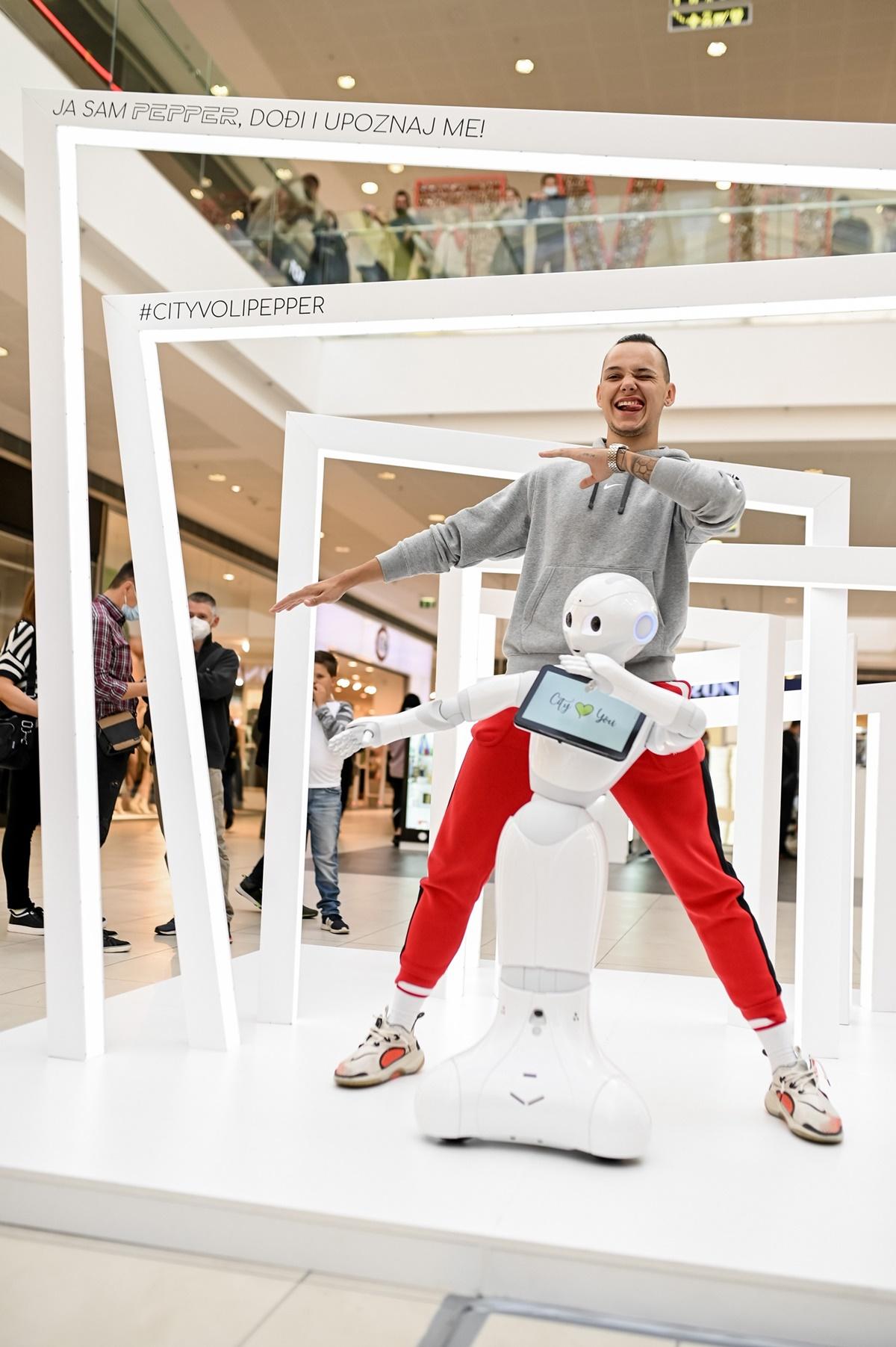 Upoznajte Pepper - prvog humanoidnog robota u shopping centru